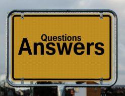 質問と答えと書かれた看板